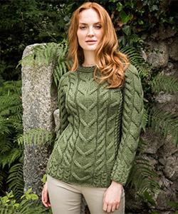 Женский свитер B951 от Aran Woollen Mills